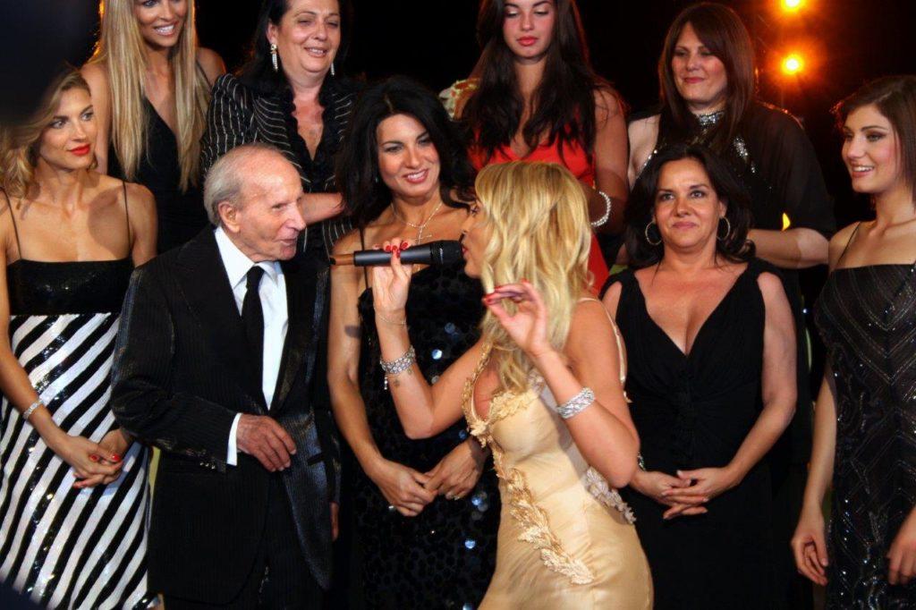 con Valeria Marini 25-4-2007 90anni IMG_5687