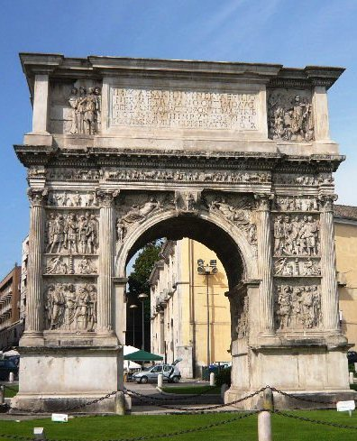 Benevento arco trionfo